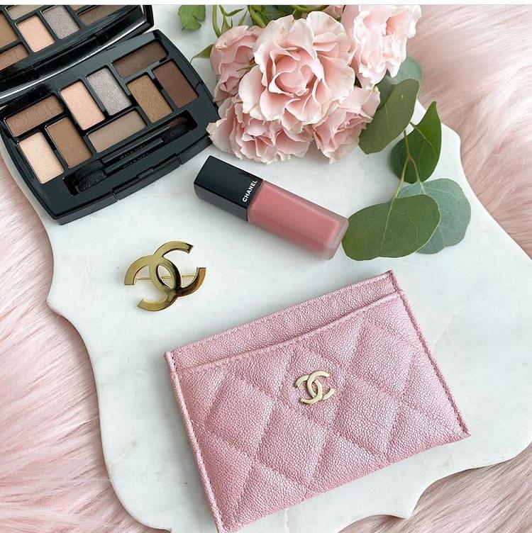粉色香奈兒卡夾