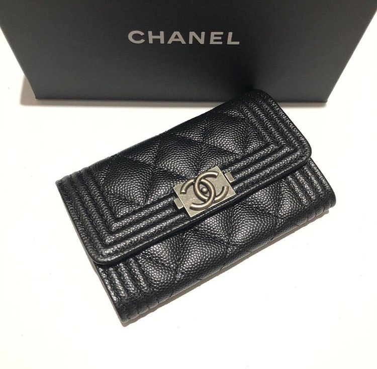 boy-chanel-card