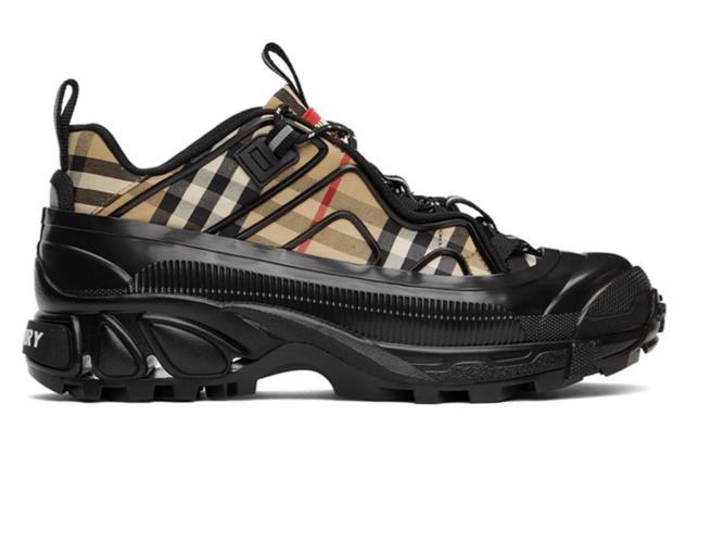 BURBERRY 駝色、黑色格紋老鞋